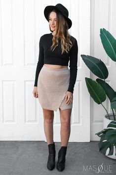 livvy crop in black Size Model, Knitted Fabric, Fashion Online, Knitwear, Mini Skirts, How To Wear, Cotton, Boutique, Shopping