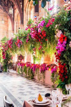 Australia Wedding Radiates Vibrant Florals - MODwedding Jason James Design