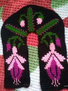 Crochet Shoes, Crochet Slippers, Knitting Socks, Knitted Hats, Sheep Tattoo, Noble People, Wand Tattoo, Maori People, Moda Emo