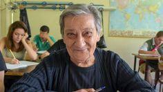 All'esame di terza media nonna Maria Rosa diventa la mascotte - La Stampa