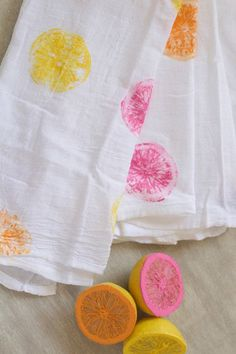 Citrus Tea Towels - 25 Warm-Weather DIYs If You Hate DIYs - Photos