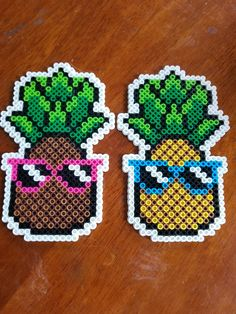 Fast and easy Perler Beads Designs, no matter what pattern you're looking, you can make it and decorate anything you want within a few minutes! Perler Bead Designs, Easy Perler Bead Patterns, Melty Bead Patterns, Perler Bead Templates, Hama Beads Design, Diy Perler Beads, Perler Bead Art, Pearler Beads, Fuse Beads