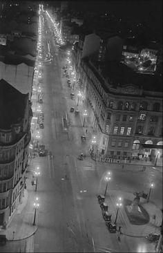 Praça do Correio e Av. São João, no ano de 1937, em uma foto feita a partir do Ed. Martinelli