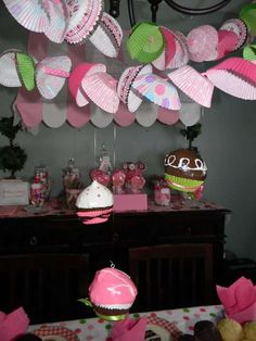 Cupcake Decorating Party Birthday Party Ideas | Photo 1 of 26 | Catch My Party
