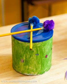 Turn an ordinary coffee can into a set of drums for your kids! #recyclecraft