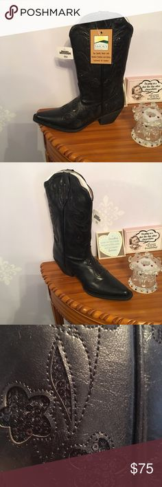Boots Cowboy boots have flowers on them smoky moutain  Shoes Heeled Boots