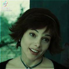 Alice Twilight, Twilight Cast, Alice Cullen, Vampire Hair, Curly Shag Haircut, Alice And Jasper, Pixiv Fantasia, Twilight Pictures, Hair Inspo