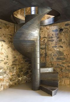 Spiral staircase from Casa Cañadas Molino Guadalupe in Cáceres, Spain. Kico Camacho designed the architectural restoration of this rustic house. Escalier Design, Metal Stairs, Stair Steps, Interior Stairs, Stairway To Heaven, Staircase Design, Stairways, Architecture Design, Restoration