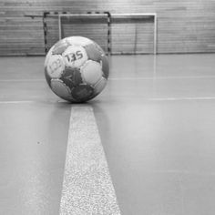 Image about sport in Me (aes) by Klara on We Heart It Handball Players, We Heart It Images, Bra Video, Sports Images, Image Title, Picture Description, Soccer Ball, Sport Cars, Videos