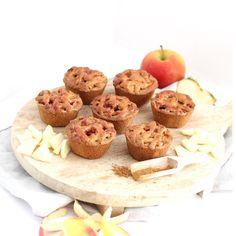Mini appeltaartjes.. Leuk voor bij een high tea! Cookie Pie, Mini Muffins, Afternoon Tea, Oven, Deserts, Cupcakes, Food And Drink, Sweets, Lunch