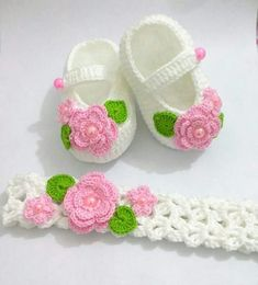 Baby Shoes Pattern, Knit Baby Dress, Crochet Baby Sandals, Knit Baby Booties, Booties Crochet, Baby Girl Crochet, Crochet Baby Shoes, Crochet Baby Clothes, Baby Patterns