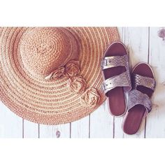 Ps. Snakeskin and a sun hat will make you look exponentially more chic. #WearNext #Arricci
