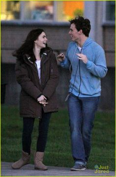 lily collins sam claflin picnic rosie 07, Lily Collins and Sam Claflin joke around while heading to the set of Love, Rosie in Toronto, Canada on Thursday evening (May 16).    The two were seen picnicking…