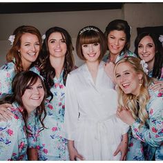 Fun morning in the brides preparation room @rachelblackwellphotography #bridesmaids #brides #weddingdayfun #lillibrookemanor