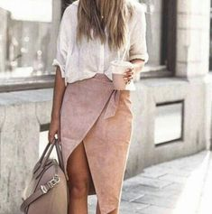 Casual but chic. Pinkie/nude skirt