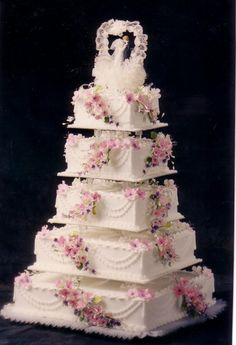 Square five tier fondant custom wedding cake pictures and ideas - wedding and birthday cake pictures White Square Wedding Cakes, 5 Tier Wedding Cakes, Extravagant Wedding Cakes, Unusual Wedding Cakes, Small Wedding Cakes, Fondant Wedding Cakes, Wedding Cake Decorations, Elegant Wedding Cakes, Beautiful Wedding Cakes
