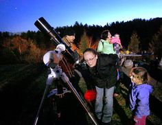 Planning a sidewalk stargazing event? Here are a few suggestions to make sure people walk away smiling. The post Tips for a Successful Star Party appeared first on Sky & Telescope.