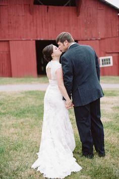 Rustic Winter Wedding in a Barn | Jenna Henderson Photography | Bridal Musings Wedding Blog