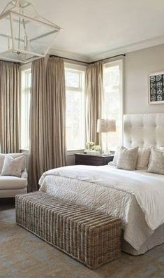 Deco chambre taupe taupe beige ration taupe beige a nos me taupe taupe deco chambre taupe Spa Bedroom, Master Bedroom Design, Small Room Bedroom, Cozy Bedroom, Home Decor Bedroom, Bedroom Ideas, Bed Room, Master Suite, White Bedroom
