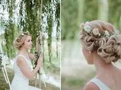 This is such a romantic wedding veil alternative! | Delicate flower crown tutorial via @thebijoubride