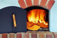 12 Delightful Rustic Summer Kitchens Provoking Your Senses - https://freshome.com/2014/06/05/12-delightful-rustic-summer-kitchens-provoking-senses/