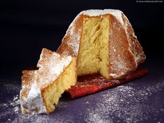 Treat yourself with a delicious Pandoro cake, a delicious panettone speciality from Verona. Pastry Recipes, Baking Recipes, Cake Recipes, Dessert Recipes, Desserts With Biscuits, No Bake Desserts, Italian Panettone, Food Illustrations, Sweet Bread