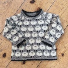 A typical Danish sweater for years - specially loved by kids, but as time has gone, it has become very popular for adults too. A typical Danish sweater for years - specially loved by kids, but as time has gone, it has become very popular for adults too. Knitting Patterns Boys, Baby Cardigan Knitting Pattern, Knitting For Kids, Pull Jacquard, Pull Bebe, Baby Barn, Boys Sweaters, Pulls, Lana