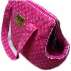 d7869cf4052d5 Agora você vai poder levar seu cãozinho para passear com você bolsa para  transporte de cães