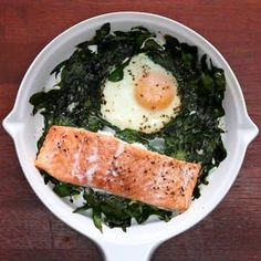 One-Pan Salmon And Egg Bake - 25 minutes but basically no effort. bake Brunch It Up With This One-Pan Salmon And Egg Bake Egg Recipes, Fish Recipes, Seafood Recipes, Cooking Recipes, Healthy Recipes, Healthy Foods, Easy Cooking, Salad Recipes, Dessert Recipes