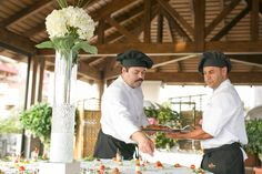 Celebra con nosotros tu cóctel de empresa/ Come and celebrate with us some special occasion of your company