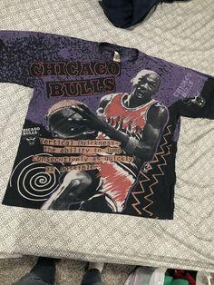 33d49824dec Vintage Michael Jordan Chicago Bulls Magic Johnson T All Over Print T-Shirt  L/