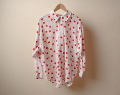 create red dot print on white blouse w/ fabric paint