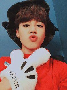 Jimin as Mickey Mouse Halloween 2015 Jimin Selca, Bts Bangtan Boy, Bts Boys, Namjoon, Taehyung, Busan, Mochi, Park Ji Min, Halloween Photos