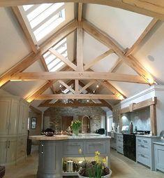 Seasoned Oak Trusses in Farmhouse Kitchen Barn Kitchen, Kitchen Living, Kitchen Decor, Kitchen Ideas, Barn Conversion Interiors, Barn Conversion Kitchen, Barn Conversions, Oak Frame House, Roof Trusses