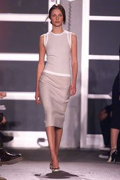Narciso Rodriguez Fall 2002 Ready-to-Wear Fashion Show Collection