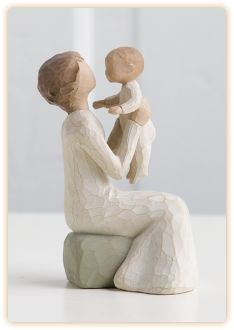 Grandmother Willow Tree Figurine, A unique love that transcends the years by Susan Lordi. Shop now at the Shabby Shed Willow Tree Susan Lordi, Willow Tree Engel, Angel Sculpture, Sculpture Art, Clay Sculptures, Willow Tree Grandmother, Willow Tree Figuren, Retirement Gifts, Collectible Figurines