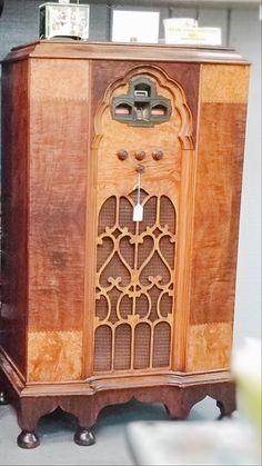 Vintage Radio Bottle Opener, Liquor Cabinet, Barware, Technology, Antiques, Vintage, Home Decor, Tech, Antiquities