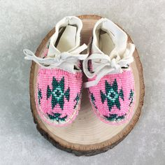 Items similar to Native American Indian Baby Moccasins-Beaded Baby Shoes-Soft Sole Leather Shoes-Moccasins-Beaded Moccasins-Baby Shower Gift on Etsy Native American Baby, Native American Moccasins, Native American Beadwork, Native American Indians, Beaded Moccasins, Baby Moccasins, Indian Baby, Baby Keepsake, Hand Painted Furniture
