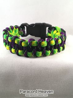 Wow! you are going to love this new product: Joker & Poision I... What are you waiting for? Check it out right here! http://www.paracord-heaven.com/products/joker-poision-ivy-slithering-snake-paracord-survival-bracelet
