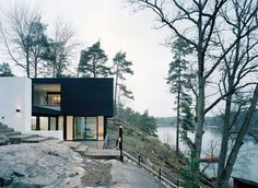 Modern minimal black and white house - lakefront – WRB