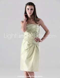 Sheath/ Column Strapless Knee-length Taffeta Bridesmaid Dress