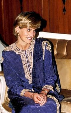 Princess Diana rocking this gorgeous embroidered Pakistani suit during her many visits.
