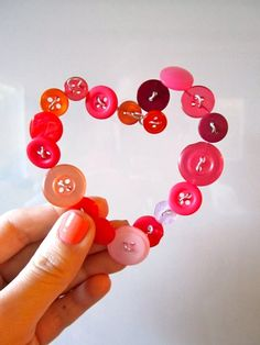 Button heart ornaments are perfect for a little Valentine tree Valentine Tree, Little Valentine, Valentine Crafts, Holiday Crafts, Fun Crafts, Crafts For Kids, Valentines, Button Ornaments, Lalaloopsy Party