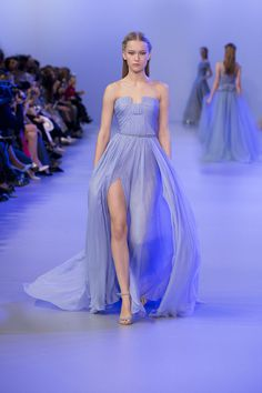 ELIE SAAB Haute Couture Spring-Summer 2014 - best blue shade.  Hi im not really a midget, I just look like one in this dress.
