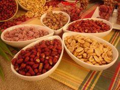 Confira os 10 benefícios do amendoim para saúde! Acesse: https://pitacoseachados.wordpress.com #pitacoseachados