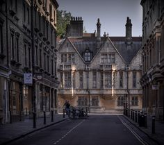 to the High Street, Oxford.