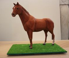 Standing horse cake! Holy crap!