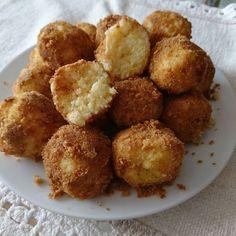 Egy finom Hamis túrógombóc (kölesgombóc) ebédre vagy vacsorára? Hamis túrógombóc (kölesgombóc) Receptek a Mindmegette.hu Recept gyűjteményében!