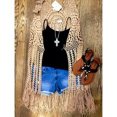 crochet cream fringe vest with black cami and denim shorts!! summer fashion perfect