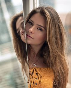 Beautiful Faces – Upload and share your images Most Beautiful Faces, Beautiful Long Hair, Gorgeous Women, Beautiful People, Girl Body, Girl Face, Woman Face, Girl Photography Poses, Fashion Beauty
